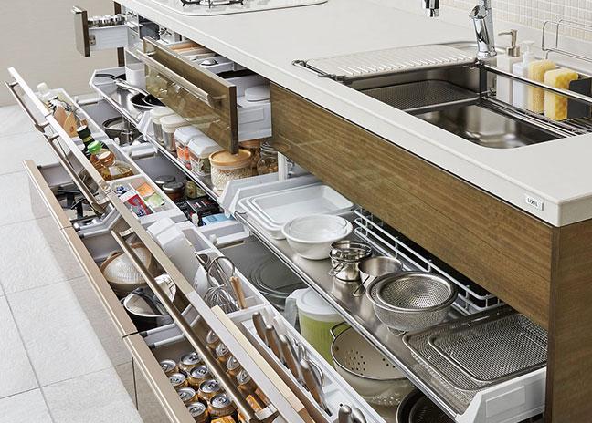 収納の多いキッチン